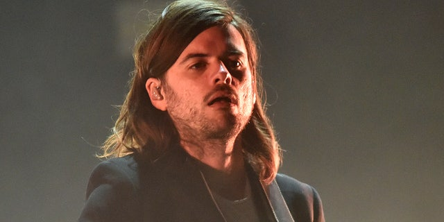 Winston Marshall of Mumford &앰프; Sons performs during the Okeechobee Music Festival at Sunshine Grove on March 08, 2020 in Okeechobee, 플로리다.