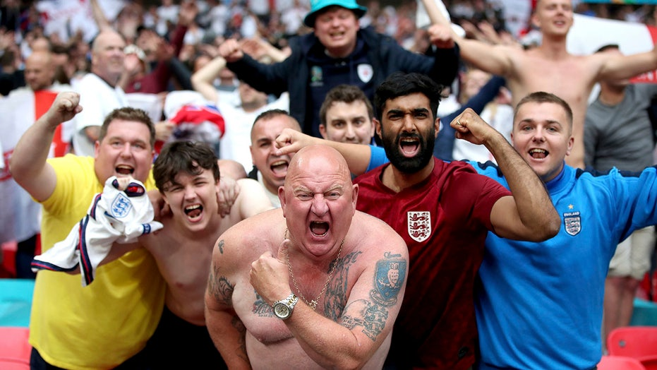 Italy to enforce 5-day quarantine for England soccer fans