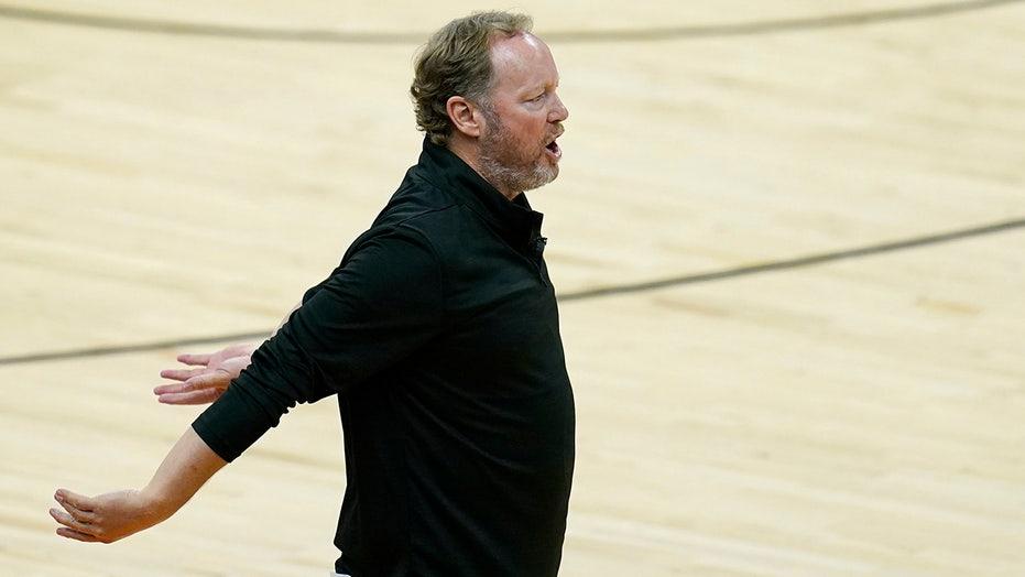 Coach's dad wants Bucks to press, Giannis likes the idea