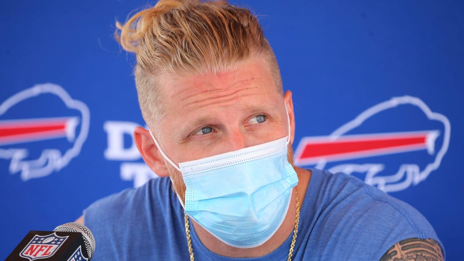 Buffalo Bills' Cole Beasley pushes back on NFL COVID-19 policy, says 'information being withheld from players'