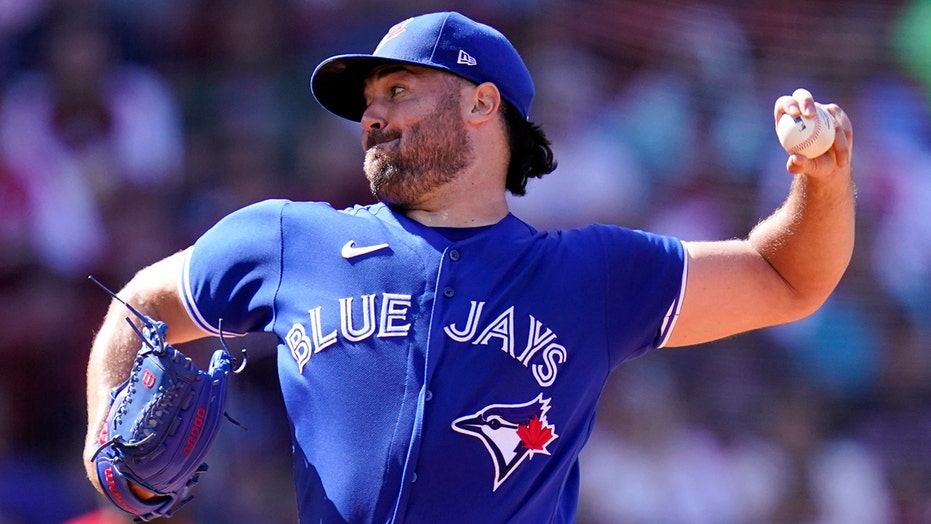 Ray strong, Grichuk 3 RBIs, Jays top Bosox to open twinbill