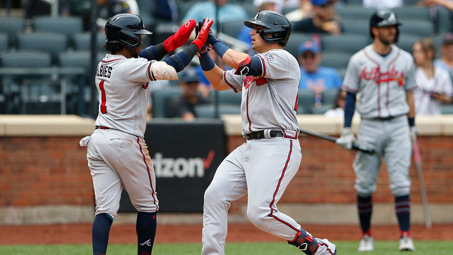 Riley homers again as Braves win series, inch closer to Mets