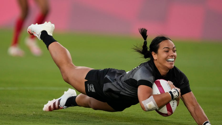 New Zealand beats France to clinch gold in women's rugby 7s