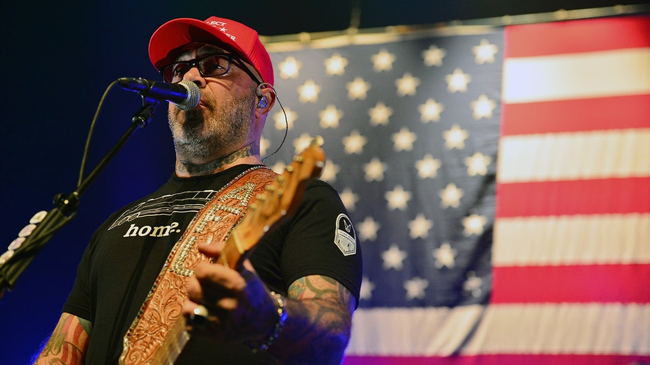 Aaron Lewis' liberal-bashing track defended by Big Machine Label founder who refuses to 'cancel' him