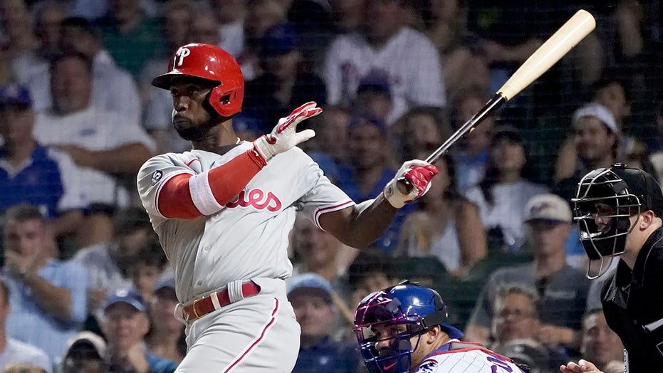 Phillies hand Cubs 10th straight loss with 13-3 romp