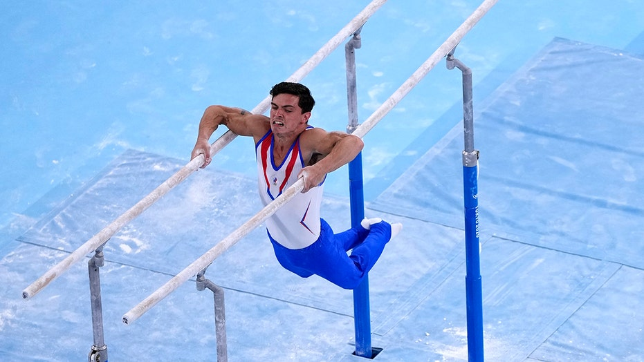 Russia edges Japan, China for gold in men's gymnastics