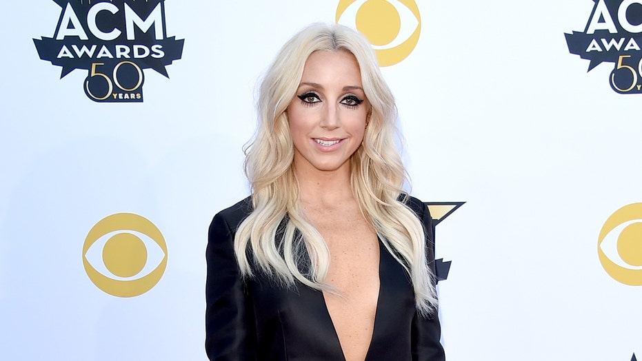 Country music star Ashley Monroe reveals rare blood cancer diagnosis