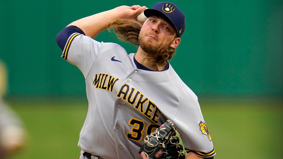Burnes cruises, Brewers top Bucs for 9th straight win