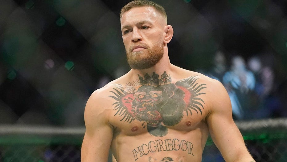 Conor McGregor sends 5-word message after suffering brutal leg injury at UFC 264