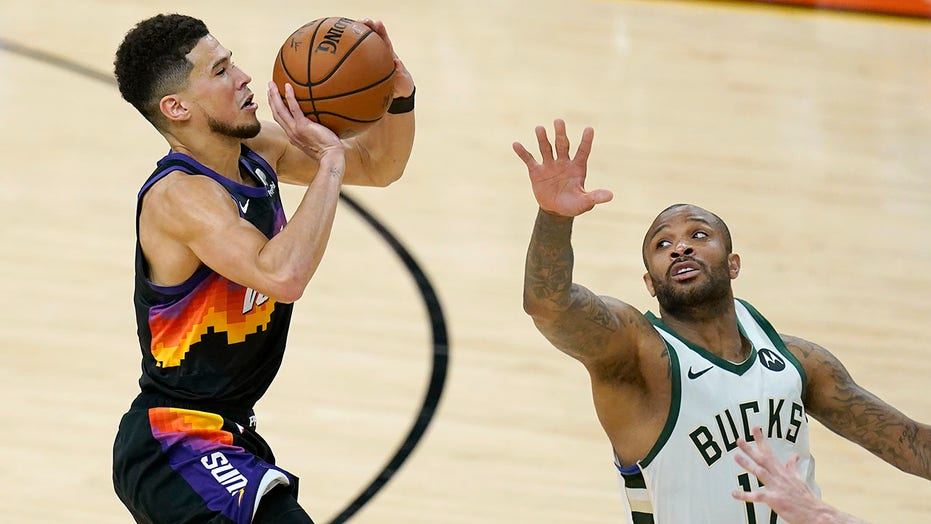 Devin Booker leads scorching Suns to crucial Game 2 victory over Bucks