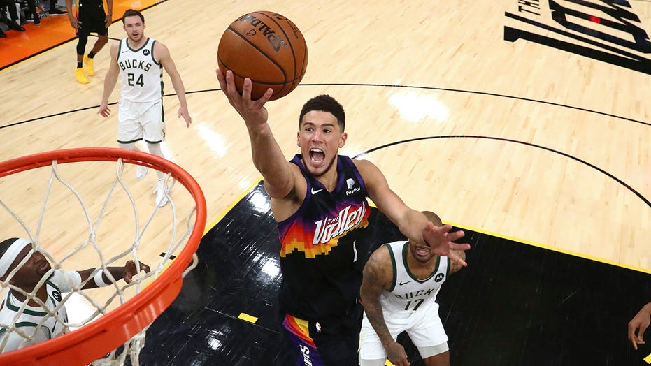 Suns' Devin Booker: 'I should never be compared to Kobe Bryant'