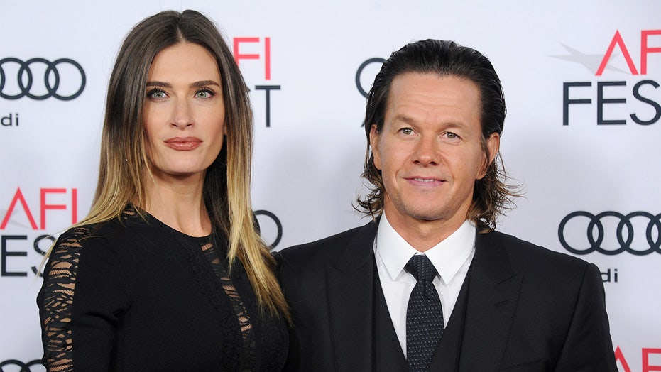 Mark Wahlberg wishes 'total smokeshow' wife Rhea Durham a happy birthday: 'Love you babe'