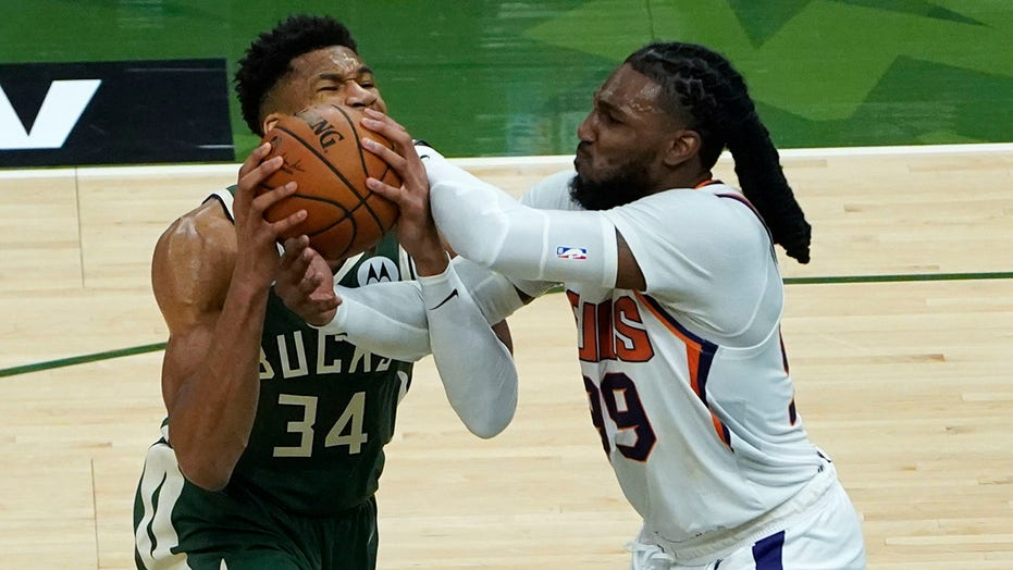 Bucks' Giannis Antetokounmpo on foul complaints: 'I take a pretty good beating out there'