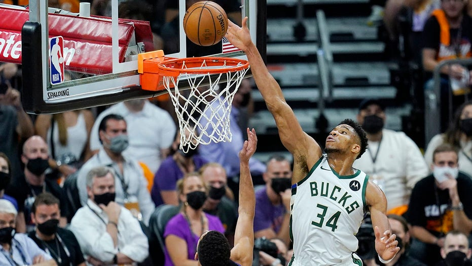 Giannis Antetokounmpo gives Bucks impressive performance after suffering knee injury