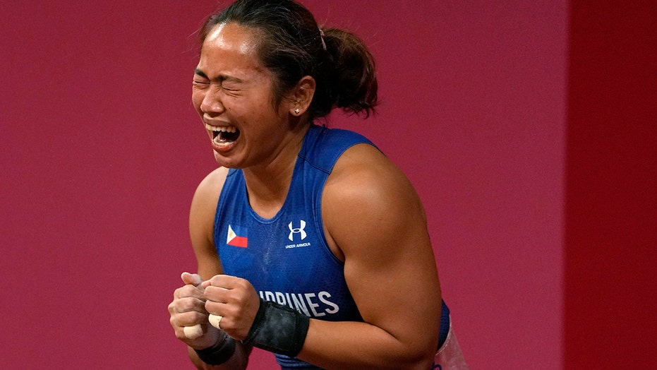Weightlifter Diaz gets 1st Philippines gold, no China sweep