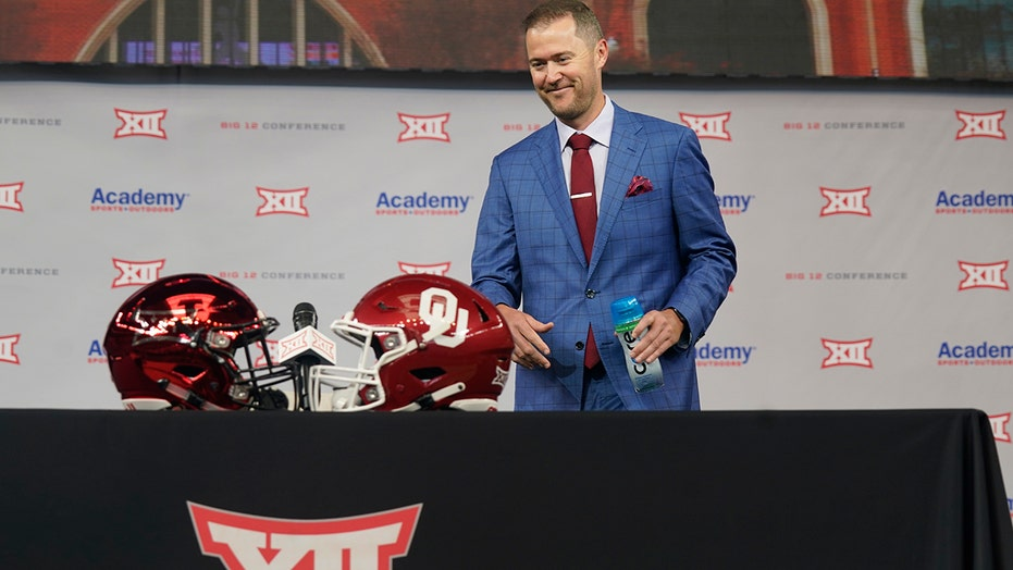 Big 12 leaders discuss how to keep Texas and OU