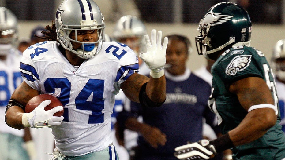 Ex-Cowboys star Marion Barber III 'down and out bad,' Dez Bryant says