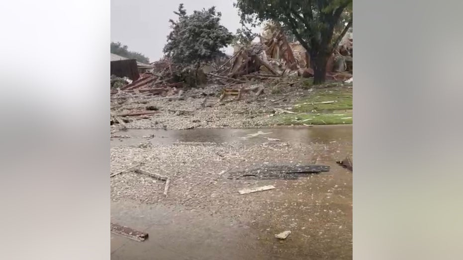 Dallas-area house explosion injures 3, officials say