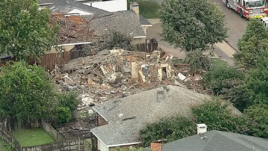Texas house explosion that injured six may have been intentional, investigators say