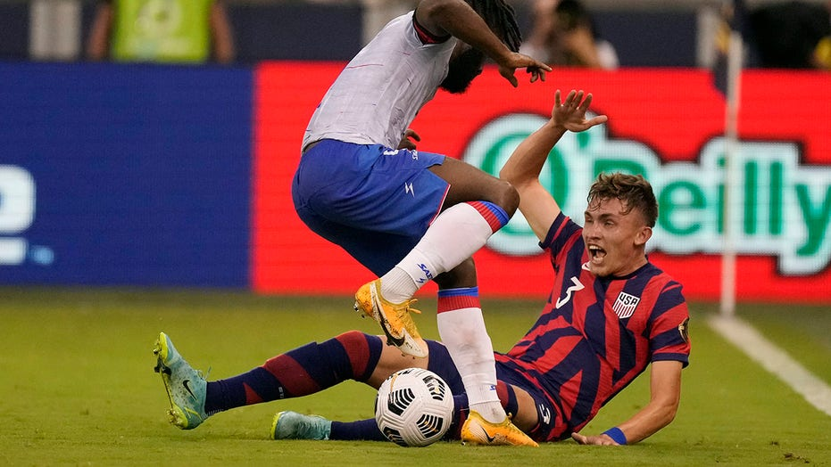 Vines lifts US over Haiti 1-0 in CONCACAF Gold Cup opener