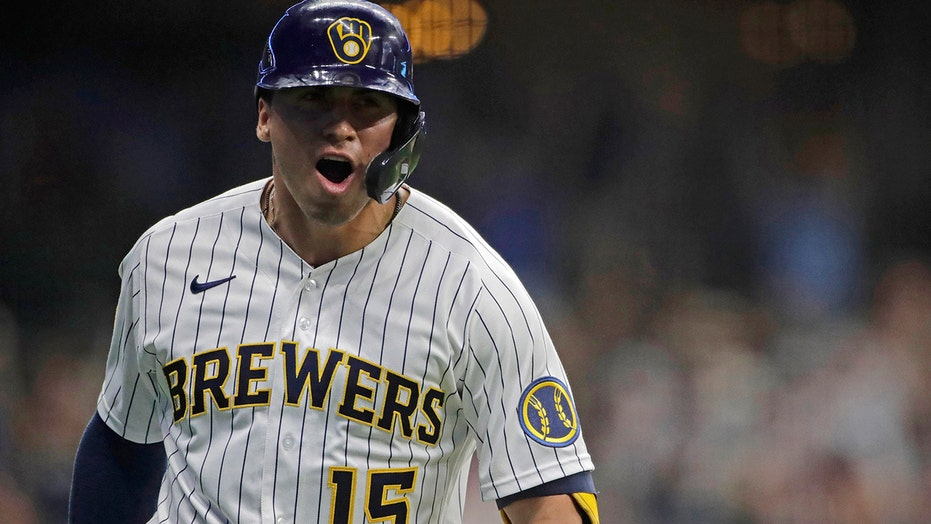 Brewers beat White Sox 7-1; La Russa, Anderson ejected
