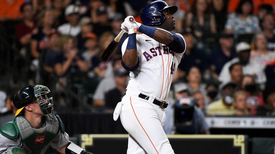 Álvarez hits 2 HRs, drives in 5 runs as Astros beat A's 9-6