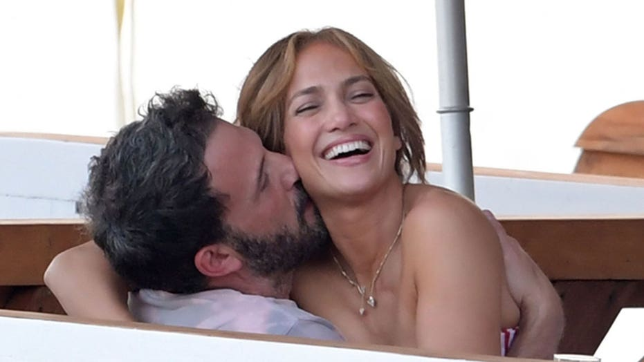 Jennifer Lopez and Ben Affleck are all loved up as they pack on the PDA during steamy Italian vacation