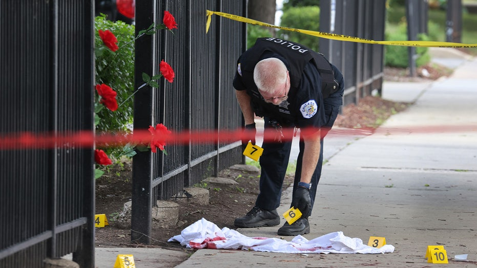 Chicago weekend shootings: 5 killed, 48 total wounded, including suspected unintended targets