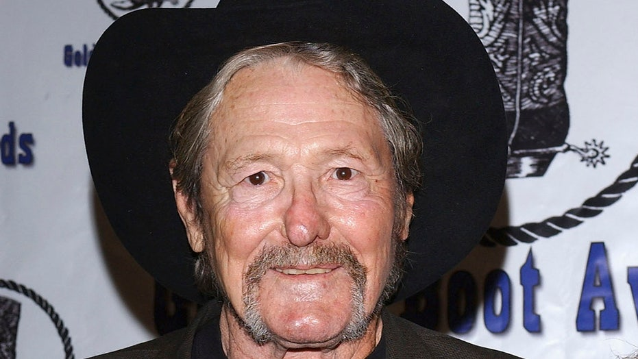 William Smith, 'Laredo' actor known for playing cowboys and brawlers, dead at 88
