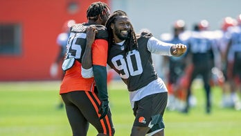 Browns' Jadeveon Clowney on facing guards: 'They're not real athletes'