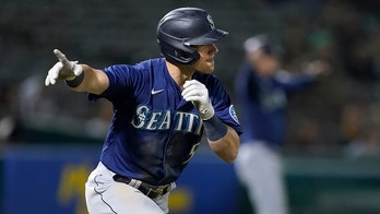 A's lose late lead again, Bauers rallies Mariners to 5-3 win