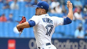 Berríos wins Toronto debut, Jays sweep Royals in return home