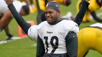Steelers' JuJu Smith-Schuster appears to take part in dangerous milk crate challenge
