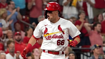 Cardinals avoid sweep, rally for 8-4 victory over Brewers