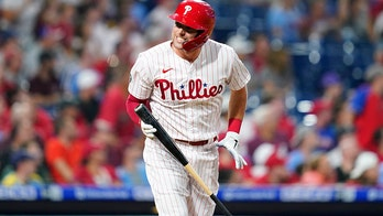 Phillies' Hoskins out for season with abdominal tear