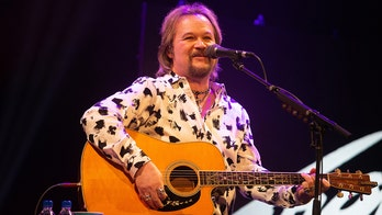 Travis Tritt cancels shows at venues that require vaccines, negative tests or masks
