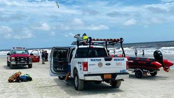 2 dead, 1 rescued in North Carolina rip tides