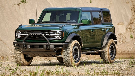 Good news, Florida Man, the 2022 Ford Bronco Everglades comes with a snorkel and winch