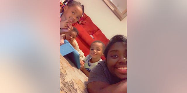 A mom of 3 とともに $  163K COVID-19 hospital bill speaks out