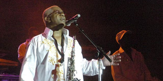 """In this Aug. 3, 2008 file photo, Dennis Thomas performs with the band """"Kool and the Gang"""" in concert in Bethlehem, Pa. Dennis """"Dee Tee"""" Thomas, a founding member of the long-running soul-funk band Kool & the Gang, has died. Thomas died peacefully in his sleep Saturday, Aug. 7, 2021 in New Jersey, where he was a resident of Montclair."""