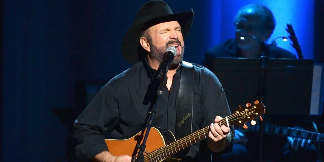 Garth Brooks explained why he is fine with dive bars instead of stadiums amid the coronavirus pandemic.