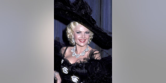 """Actress Ann Jillian attends the taping of """"Bob Hope Laughs with the Movie Awards"""" television special spoofing the Academy Awards nominees on March 20, 1982, at NBC Studios in Burbank, 牛犊."""
