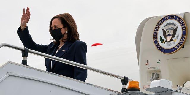 U.S. Vice President Kamala Harris arrives in Singapore, August 22, 2021. (Reuters)