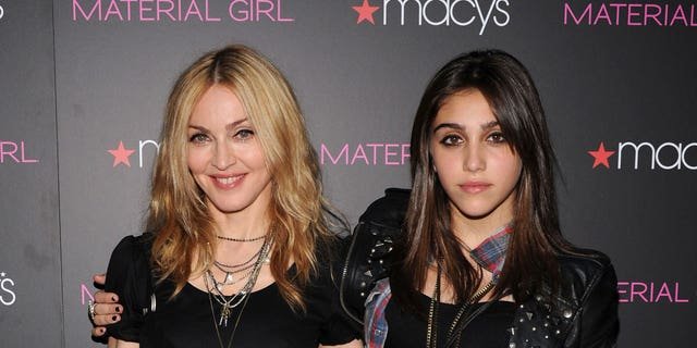 Daughter of singer Madonna, Lourdes 'Lola' Leon, said she paid her own way through college without assistance from her mother.