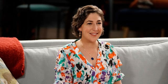 Mayim Bialik will temporarily replace as host of 'Jeaoprdy!'  this season.