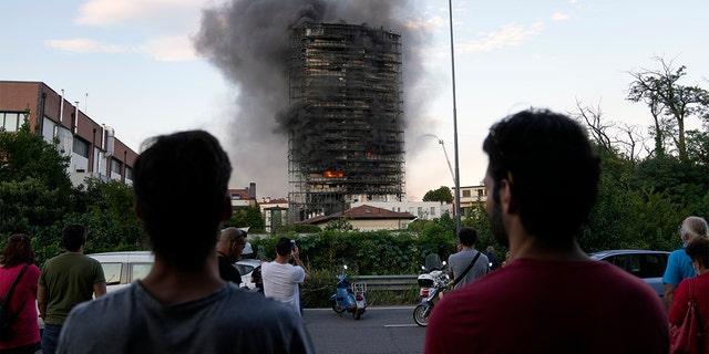 ولم ترد تقارير فورية عن وقوع اصابات او وفيات.  (AB Photo / Luca Bruno)