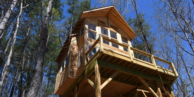 At Stay Dahlonega Treehouse Daybreak, you'll be greeted each morning with soul-restoring mountain panoramas.