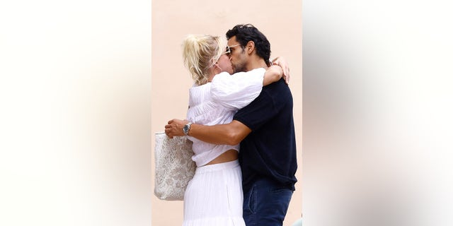 The former Food Network star was seen passionately kissing her boyfriend during their day out in the south of France.
