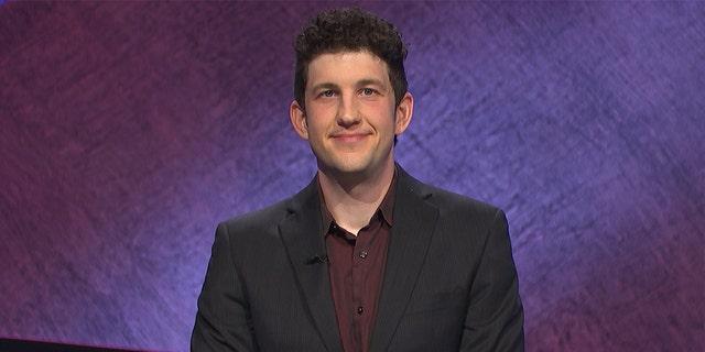 Matt Amodio telah memenangkan delapan pertandingan berturut-turut 'Jeoaprdy!'  dan memecahkan sepuluh pemenang tertinggi sepanjang masa.