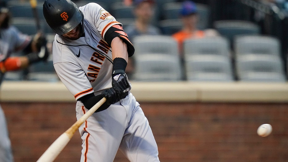 Bryant, Ruf lead Giants past Mets 3-2 for 3-game sweep